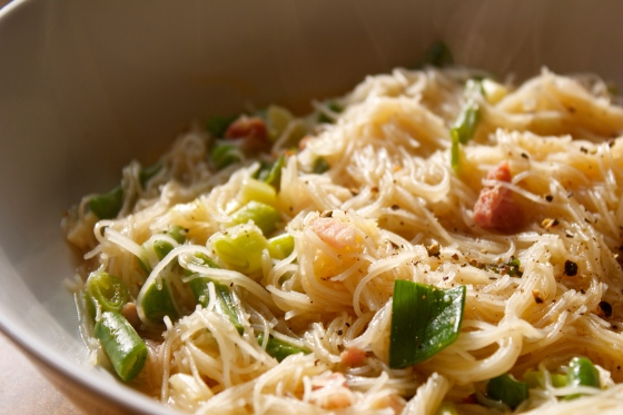 oriental, soup, noodle, spring, onions, pancetta, garlic, ginger, soy, sauce, fish, sauce, rice, noodles, soups,