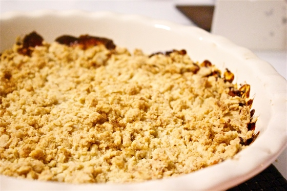 apple, apples, sweet, dessert, crumble, crisp, gluten, wheat, free, gluten free, caramel, butter, nutmeg, sultanas, sultana, pie, dish, easy, quick, simple, store cupboard