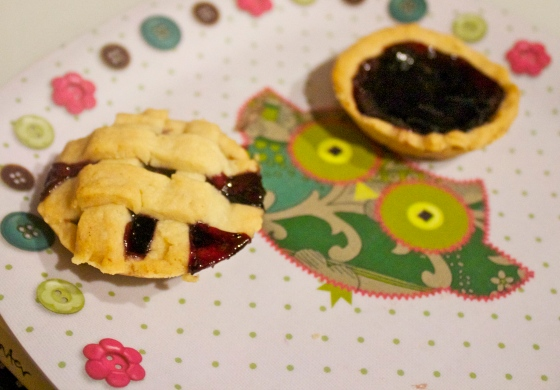 cute, sweet, dainty, french, jam, tarts, blueberry, owl, plate, kitch, pretty, small, tart