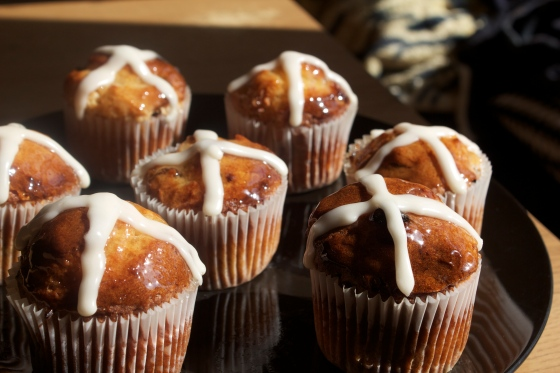 gluten free, hot cross bun, cake, easter, easy, marmalade, orange, glaze, cupcake, icing