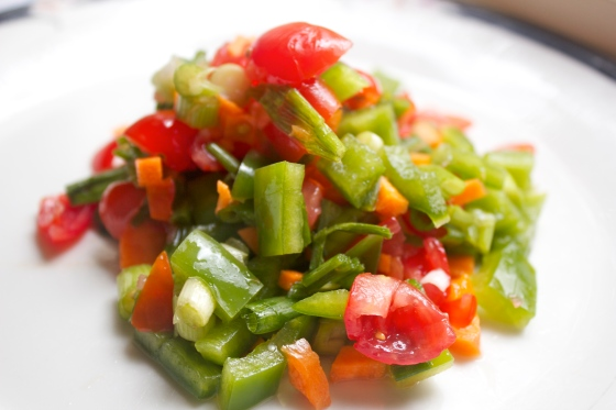 Salsa, naturally gluten free, easy, quick gluten free, recipes, lunch, side, meal, healthy, lemon, red wine vinegar, kitten, cute, wuthering bites,
