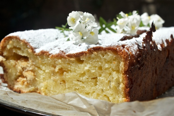 gluten free, rosemary, white chocolate, maderia, loaf, cake, easy, simple, recipe, UK, blog, wuthering bites, quick, afternoon tea, summer, sun