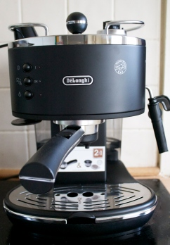 Delonghi Coffee Machine, Argos, Review